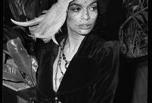 Sofi - Alexander McQueen, Shigeru Ban, Marina Abramovic, Bianca Jagger