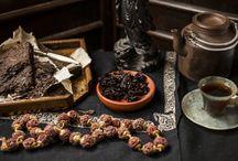 Lincang Old Tree Pu-erh Tea / Classic pu-erh profile - An easy approach, like a welcoming hearth.