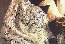 вязанная скатерть и одеяло