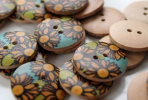 knoopjes2 / buttons / by WolTroll Needle Felting