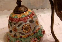 Applique in ceramica con braccio in metallo anticato., by ilciliegio