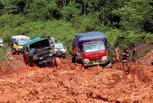 Jalan Tanah / Tautan informasi dan gambar tentang jalan tanah di Indonesia yang dapat dikeraskan oleh SoilIndo dengan ROTEC Soil Stabilizer.