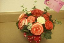 Cupcake bouquets / by Laura Gray