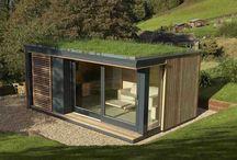 Gründach+Holz+Hütte