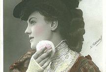 lady with powder puff