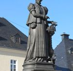 Lacemaker statues and monuments