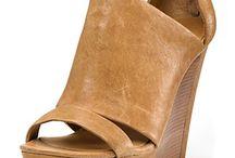 shoes / by Mia Bonner