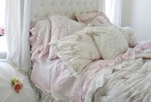 Shabby Chic / I would love to decorate my life in shabby chic