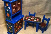 My works! Miniature hand painted furniture !Mini festett gyerek játék bútorok / Mini festett gyerek játék bútor (Konyhai) Mini mobilier pictat rustic pentru casa de păpuși (Bucătărie) Mini painted child game furniture (kitchen) Gemalte Minikinderspielmöbel (Küche)