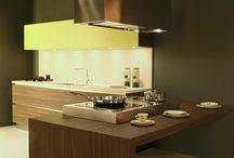 keuken met brede lade frontpanelen.