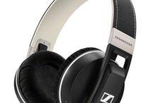 Bluetooth over/on-ear headphones / Top audio gone wireless.