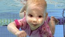Swimming with baby and kids / Lessons and videos for teaching baby to swim