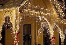 Christmas / Christmas trees, rooms, and outdoor scenes