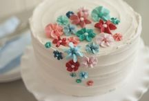 Learn cake decorating