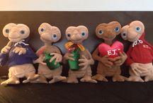 E.T plush toys / Vintage plush toys from the classic 80's movie