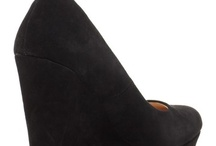 If the Shoe Fits / by Diana Tripodi