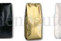 Side angle bag with aroma protection valve centrally sealed