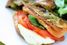 Sandwiches / by Carolina Ortega