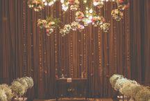 Cortinas de flores e luzes