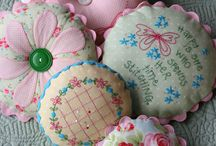 PIN CUSHIONS AND OTHER NEEDLE KEEPERS / PIN CUSHIONS AND NEEDLE KEEPERS - ALL SO USEFUL AND PRETTY!