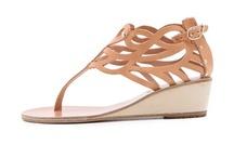 Pantofi / Lucruri pe care le pui in picioare