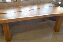 mesa de acacia