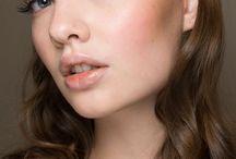 Maquiagem feminina / [BEAUTY TIPS] Inspirações de maquiagem e produtos favoritos para as diferentes técnicas.