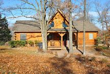 Top of the Rock / charming 3/2 cabin in Branson MO. Great place to come with family, friends... relax, celebrate, enjoy!