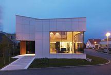 Casa Prefabricada de Alto Standing / Casa Modular de diseño de dos plantas con amplias cristaleras.  http://www.estudiodream.es/