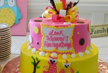 cakes / by Maria Andujar