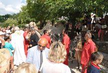 La fête de la Saint Roch / Les Fêtes de la St.Roch se poursuivent avec ce matin , la procession en musique avec l'Académie provençale de Cannes ,puis à la chapelle St.Roc proche du cirque Arlette Gruss la messe chantée ,et enfin la bénédiction des animaux de compagnie et du cirque .