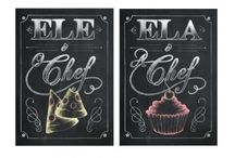 Kit 02 Quadros - Ela é a Chef / Ele é o Chef / Quadro Decorativo feito em: * Base em MDF * Papel fotográfico Glossy de alta qualidade * Tamanho de 21 cm x 29,7 cm * Bordas com espessura de 2 cm na cor preta ou madeira crua