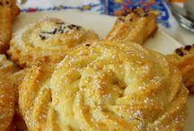 biscuits/madeleines/financiers/muffins