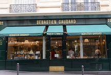 Sébastien GAUDARD(セバスチャン・ゴダール) / 1970年フランス北東部ロレーヌ地方でうまれる。 97年からピエール・エルメの後任としてフォションでシェフパティシエに就任。 パリ9区の一号店に続いて、今年11月に2店目となるサロン・ド・テがリヴォリ通りにオープンした。