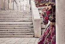Clothes/costumes