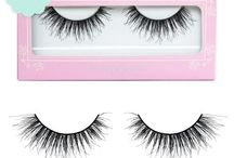 Spellbound Lashes / Capture attention to your eyes, enthrall the masses and cast a spell with just one look thanks to our Spellbound lashes. These wispy lashes are multi layered and slightly flared to add even more lust and mystery to your eyes. Dense at the base and feathery at the ends all you need to do is bat your lashes and send all eyes towards you. If you are looking for the perfect lashes to spice up your makeup look, look no further than our Spellbound lashes!