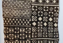 "Knitting Books / Books about knitting (knitting around the world, history of knitting, etc.). For patterns, see ""Knitting - Pattern Books."""