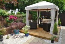 Wooden Garden Gazebos / The garden gazebo is a thing of beauty, it has been known that in the past kings and queens had enjoyed gazebos in their royal gardens, setting up a trend of garden gazebos for history's rich and famous.
