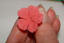 Sugar paste pulled flowers