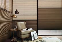EasyRIse® Continous Loop Operating System / Pulling down on the front of the Hunter Douglas EasyRise™ continuous loop lowers your shade. Pulling on the rear of the loop raises your shade.