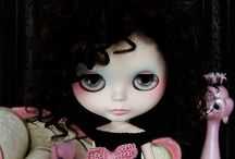 The B's and other birds / Mostly Blythes, BJDs and lowbrow girls.