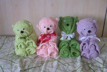 FLOWERSANDFANTASY(Michela Cevolatti) / Creazioni artigianali per eventi(creazioni con asciugamani, bouquet di calze e bavaglie sia per bambini che per adulti, bomboniere)...Mi trovate anche su Facebook.