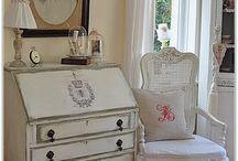 Decoupage furniture ideas / Re decorating furniture