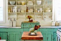 Brocante Blog ❥ KEUKENS ❥ / Keukens in brocante sfeer/ Vintage kitchens