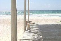 ►Görtz◀ Strandgut / Flip-Flops, Sandaletten und bunte Canvas-Schnürer machen uns in leuchtenden Farben und exotischen Mustern Lust auf herrlich warme Sommersonne.