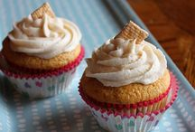 Cupcakes / Muffins / by Misty Campbell
