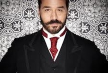 Mr Selfridge (Shopping, Seduction...) / SHOPPING, SEDUCTION & MR SELFRIDGE is now a compelling ITV drama, with author Lindy Woodhead working with the cast and crew as a script advisor.  http://bit.ly/142smcf