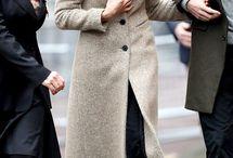 Fabulous Women Who Wear Beautiful Scarves
