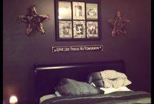 Bedroom. / by Kylie Scott