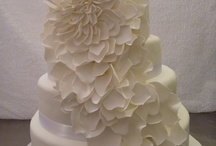 Wedding cakes from Cairns to Port douglas / Cakes created and condensed